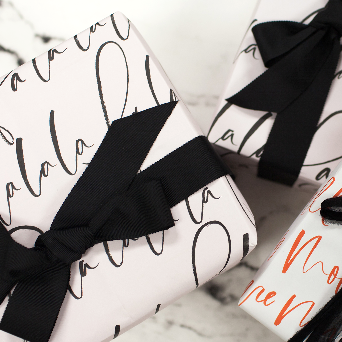 PLANOLY - Blog Post - How to Create a Gift Guide - Feature Image-1